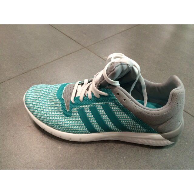 Adidas 跑鞋,日碼24歐碼38,Tiffany 綠很美