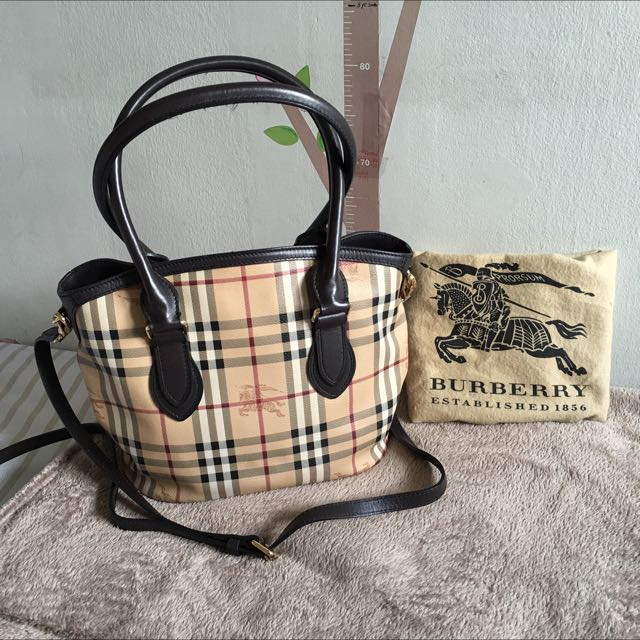 """Burberry Bag (Accepts Trade To MacBook Air 11"""")"""