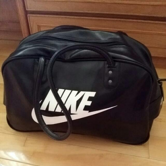 Nike旅行包 急售(保留)
