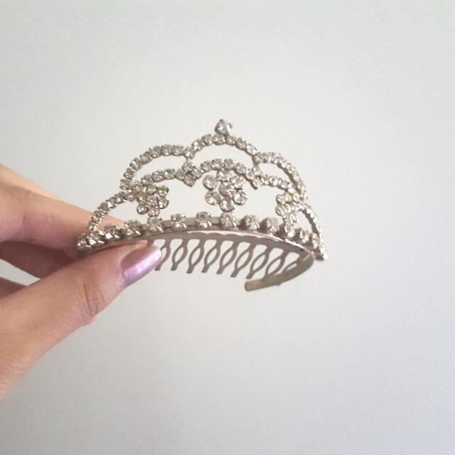 Tiara Hair Pin