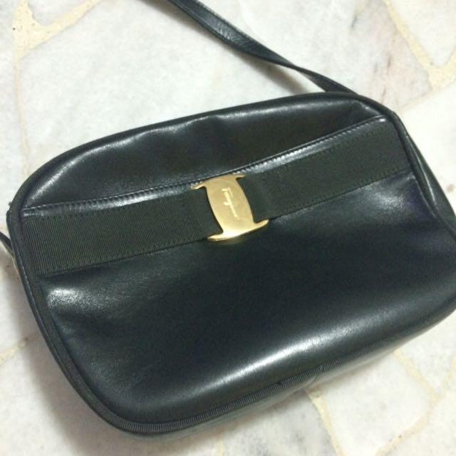 2fd222366216 Vintage Ferragamo Bag  Reduced