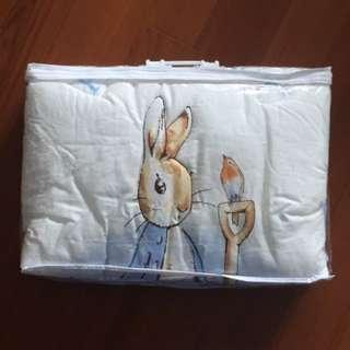 奇哥 粉彩比得兔Peter Rabbit 冬夏兩用被 (粉藍)