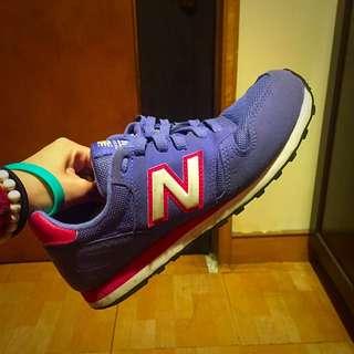 New Balance 紫色373球鞋