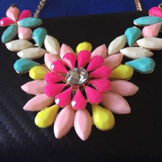Beautiful Necklace With Gold Chain And Clasp