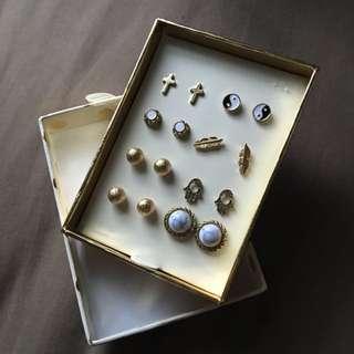 8 Pairs Of Lovisa Earrings