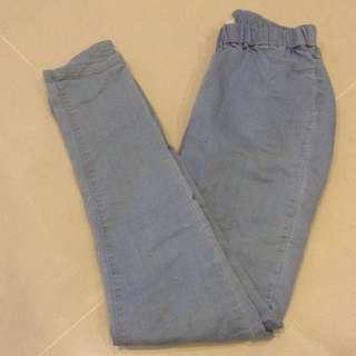 鬆緊淺藍色牛仔褲