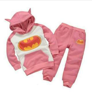 蝙蝠俠粉色上衣