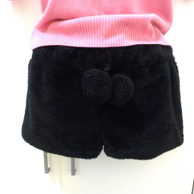 黑色毛絨絨彈性短褲