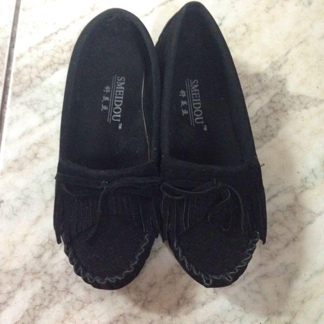 黑色豆豆鞋