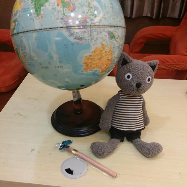 地球儀+日本貓咪+筆