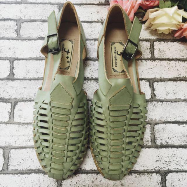 歐美風復古低跟屢空涼鞋