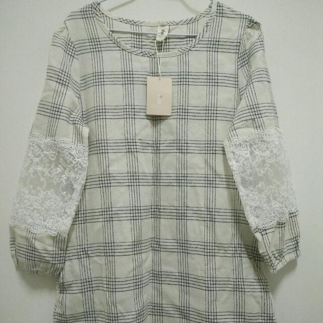 袖拼透明蕾絲格線洋裝