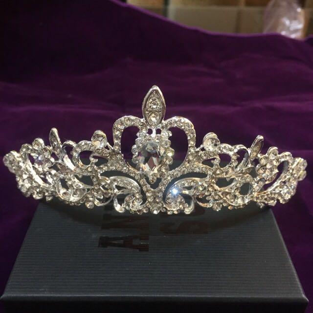 全新。新娘飾品大皇冠 施華洛世奇水鑽白鑽大皇冠 - 現貨