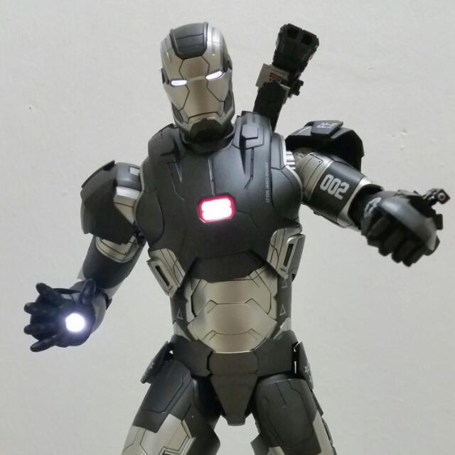 Hot Toys Iron Man 3 War Machine