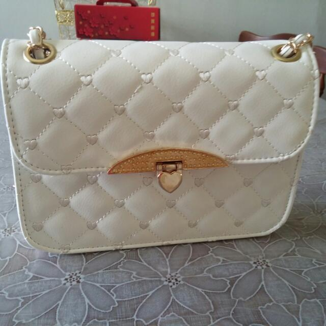 Pretty Off-white Handbag