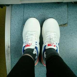 Nike Air Max 白色復古運動鞋
