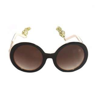 BNWT - Pretty Fit sunglasses