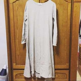素面長袖洋裝