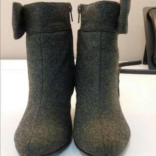 CHARLES & KEITH新加坡小C短靴,24號,7號,版小