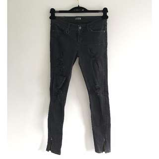 Neuw - Black Ripped Jeans