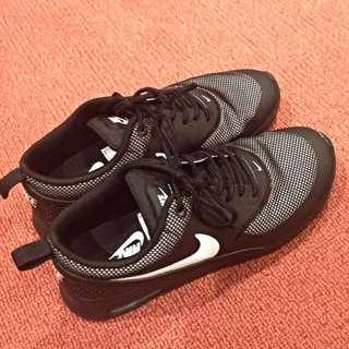 Nike Air Max Theas Size 8