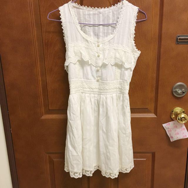 白色蕾絲洋裝