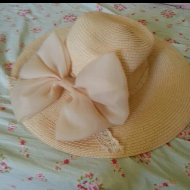 全新草帽 朋友送的 沒有戴帽子習慣便宜賣