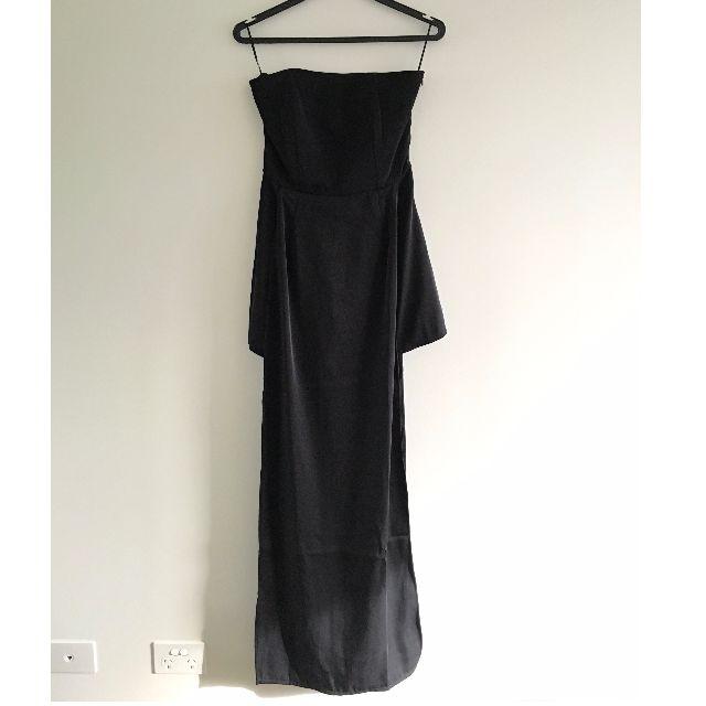 Missguided - Black Sleeveless Playsuit Dress