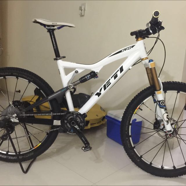 Yeti 575 Frame only , Mountain Bike, Sports on Carousell