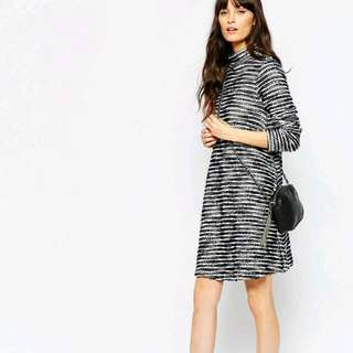 Turtleneck Swing Dress In Textured Boucle 洋裝