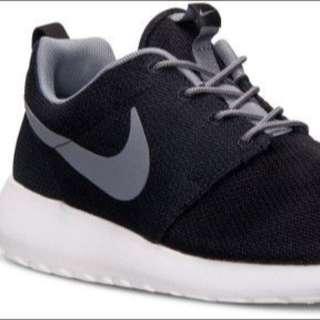 Nike ROUSHRUN 6號