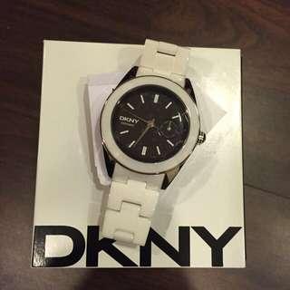 DKNY女款手錶