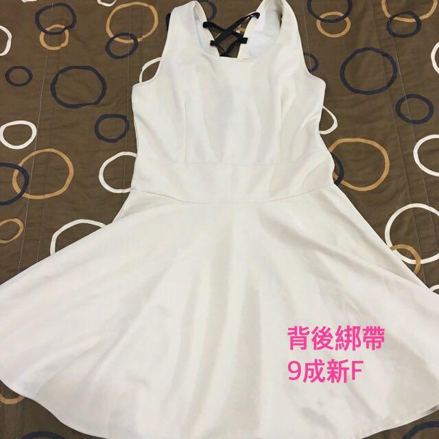 素雅大方米色小洋裝