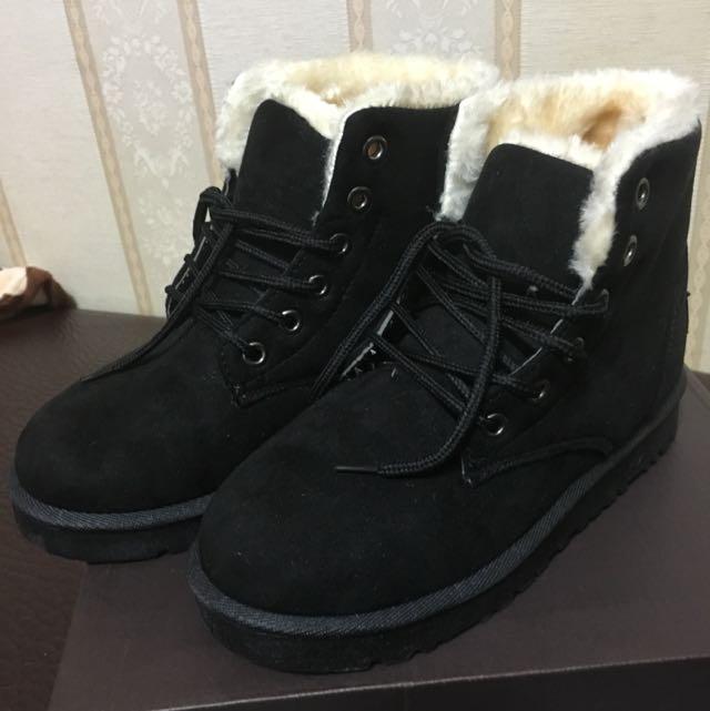 黑色綁帶雪靴
