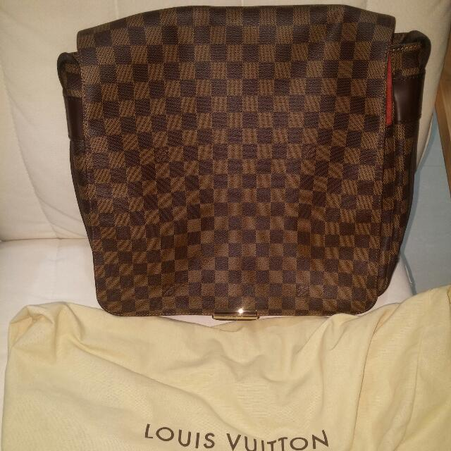(Limited)Authentic Louis Vuitton Abesses Bastille Damier Ebene Messenger Bag (SP0095) (Good as NEW) open for Nego