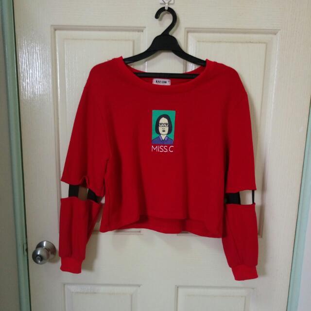 💟F 紅色袖子鏤空小女孩圖案衛衣