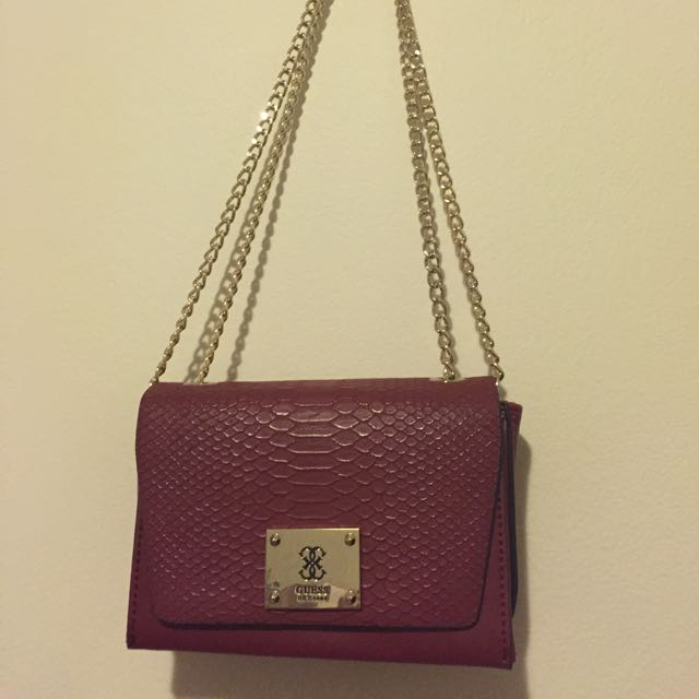Guess Bag (Maroon). Never been used