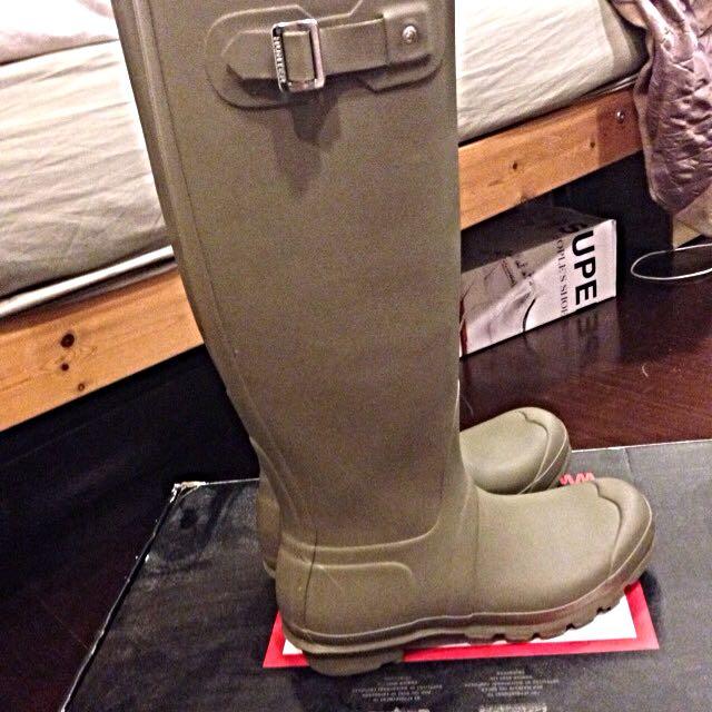 Hunter橄欖色經典霧面長雨靴