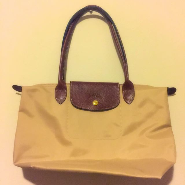 Longchamp Bag (Beige). Never been used