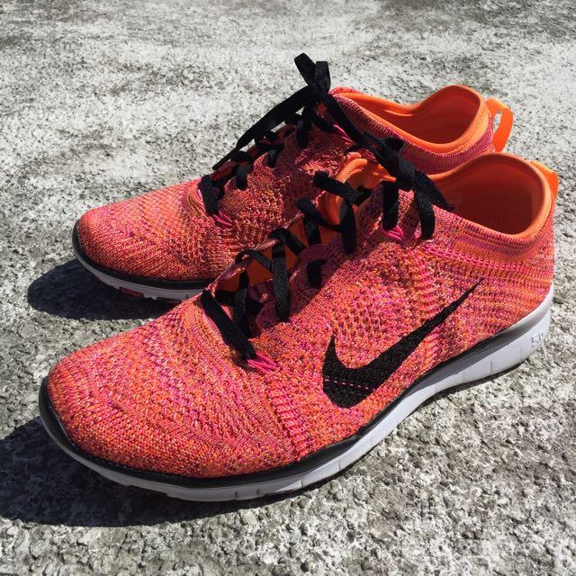 Nike Flyknit女鞋