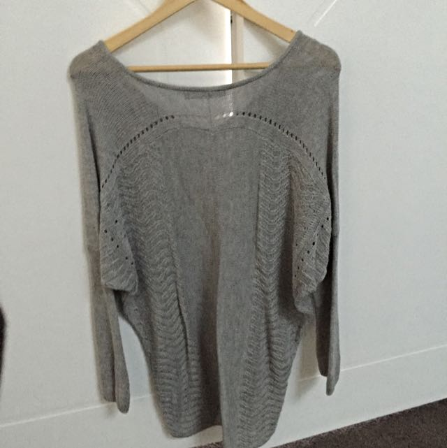 Oversized Grey Knit Size 10-12