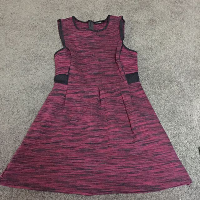 Tokito Size 8 Fit Magenta Mini Dress