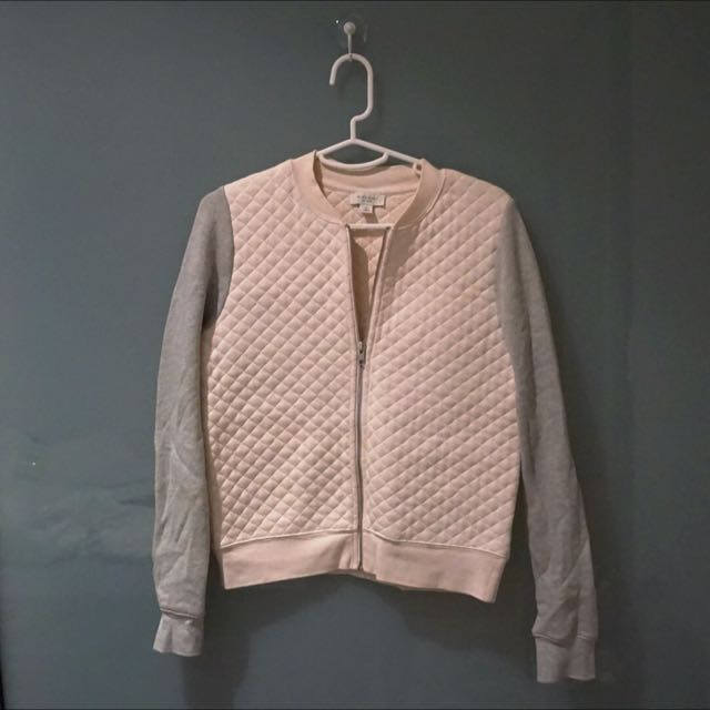 918f6c796 Witchery Pale Pink Quilted Bomber Jacket, Women's Fashion on Carousell