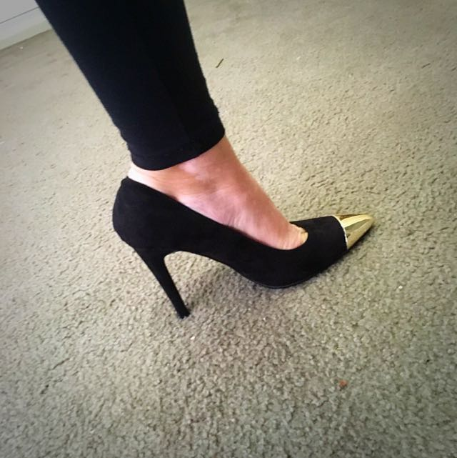 Zalora Black With Gold Point Heels