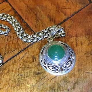 Sterling Silver 925 Pendant With Adventurine Stone.