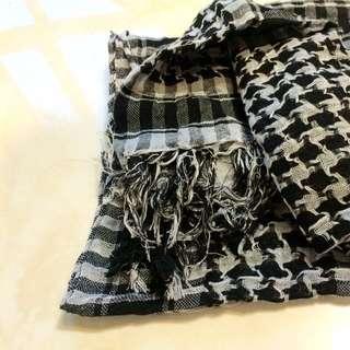 全新 黑白相間圍巾