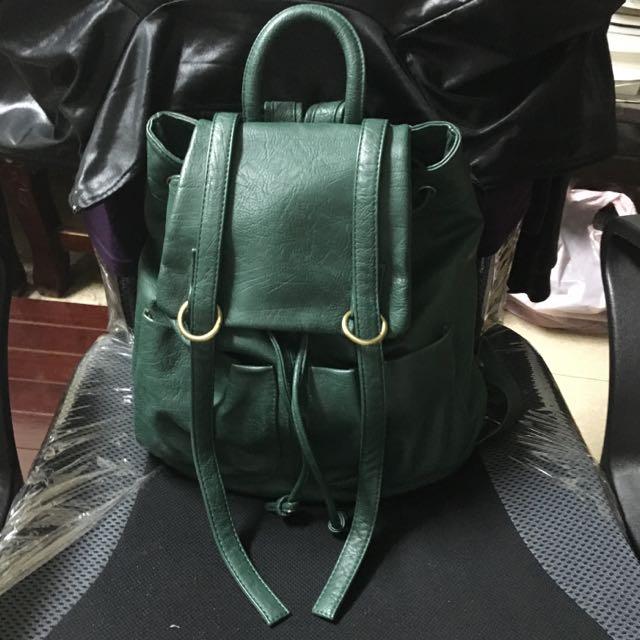 抽繩墨綠後背包