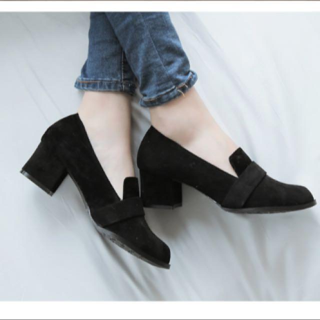 復古絨質粗跟包鞋