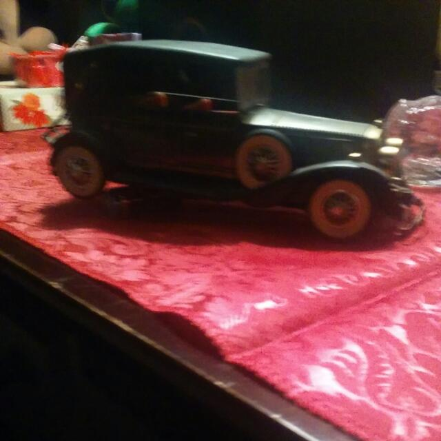 Antique Am Toy Car Radio.still Works.