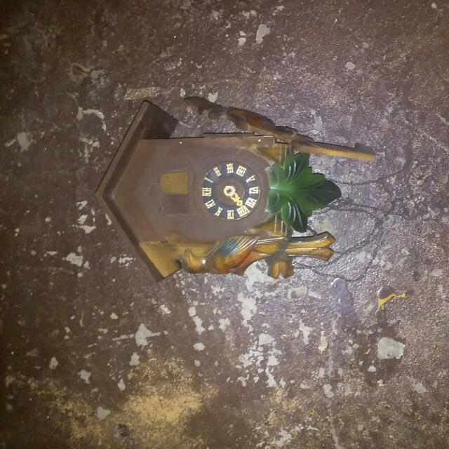 Kukoo Kukoo Clock Wood Needs Repair Dont Work